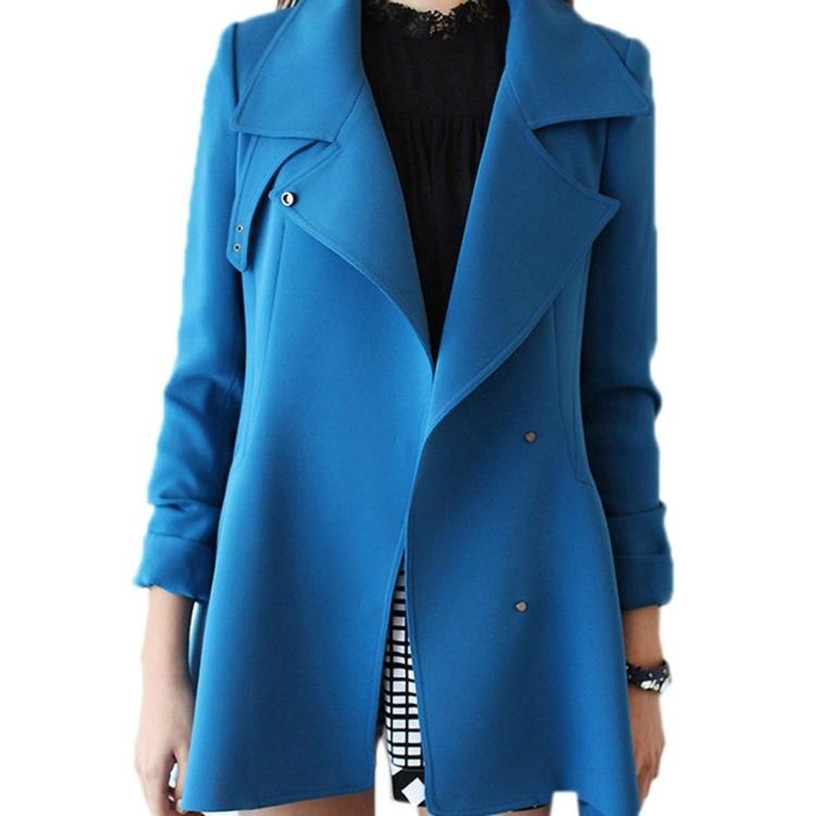 moderne Damenmäntel aktuelle Trendfarben Blau