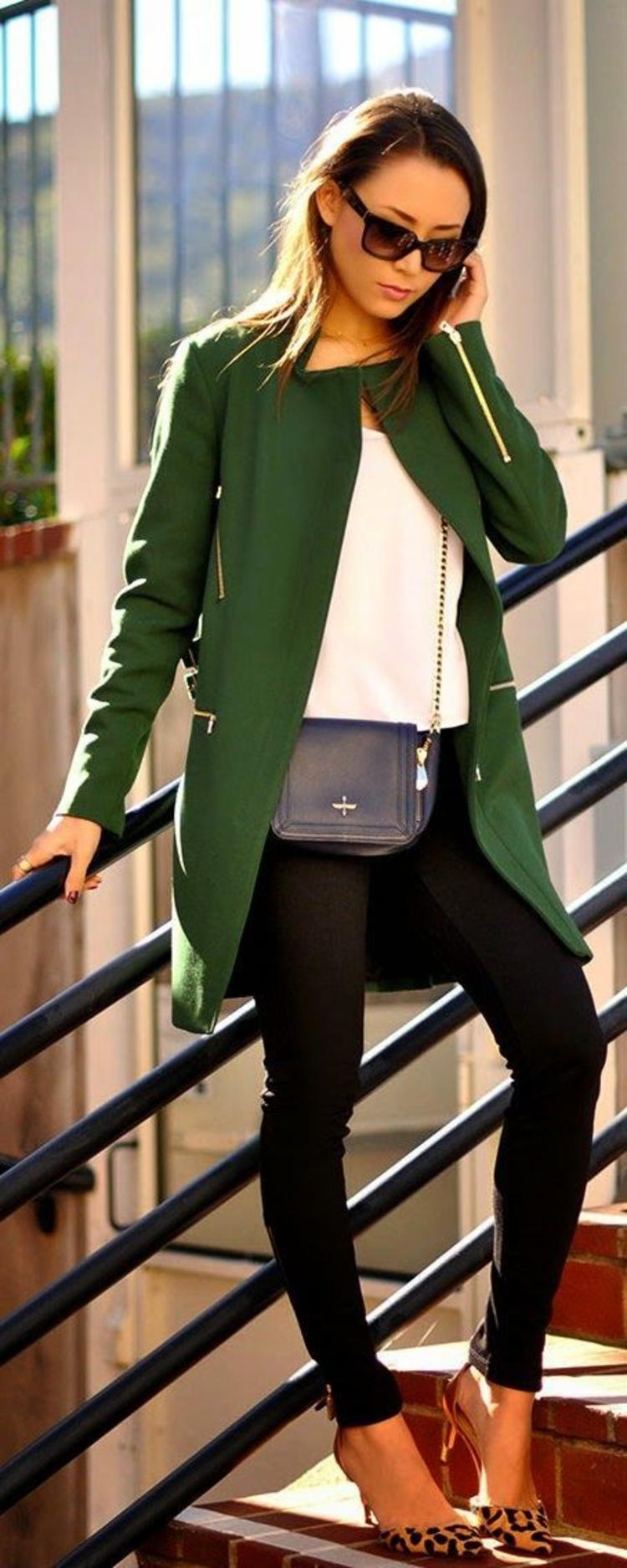 moderne Damenmäntel aktuelle Trendfarben Grün