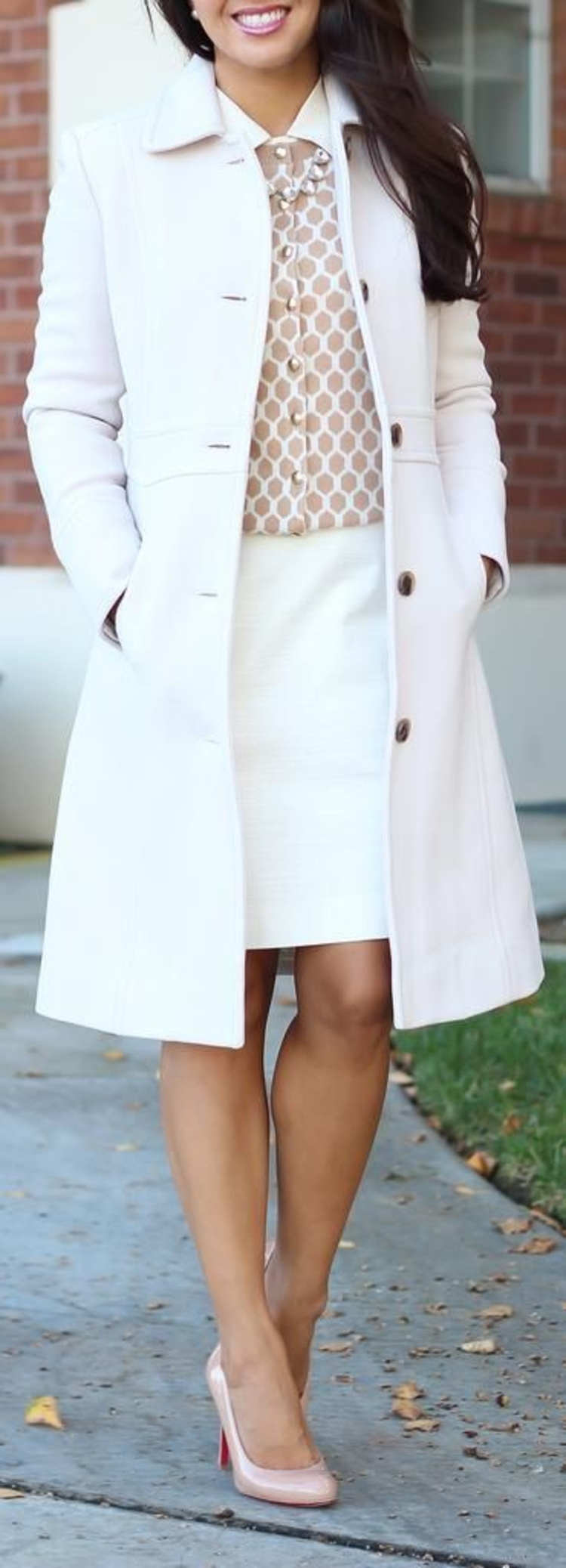 moderne Damenmantel aktuelle Trendfarben Weiß Damenmantel