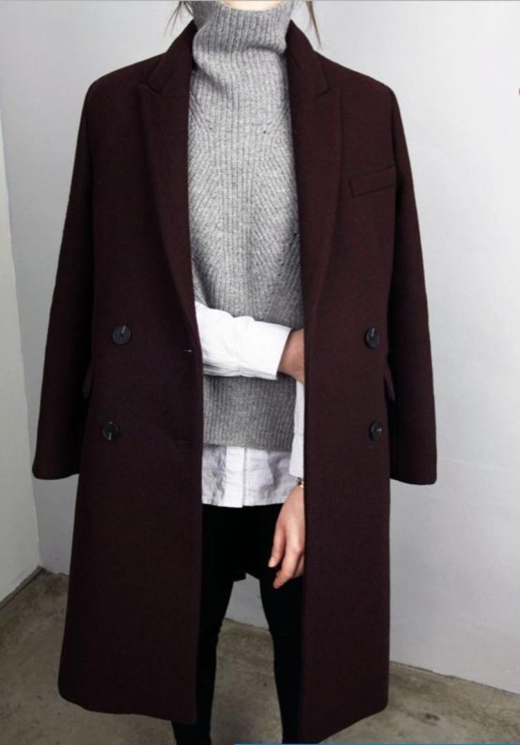 moderne Damenmantel aktuelle Trendfarben Weinrot