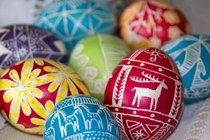 ostereier bemalen filigrane zeichnungen tiermuster eier dekorieren