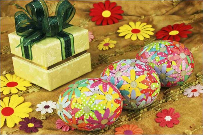 ostereier dekorieren basteln mit kindern blumen geschenkpapier eier gestalten
