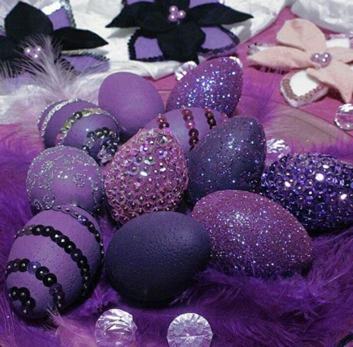 ostereier dekorieren lila pailletten strasssteine glitzer