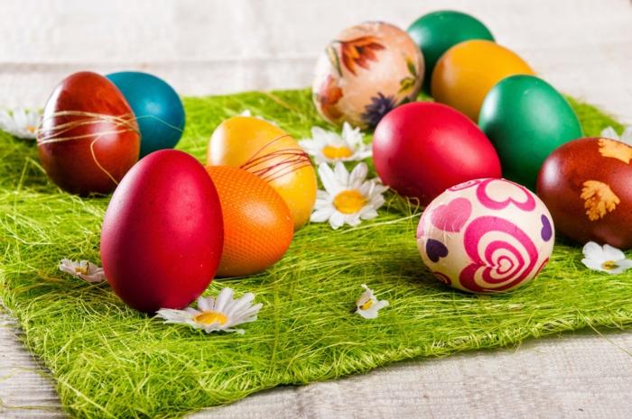 ostereier dekorieren serviettentechnik decoupage monochrome eier faerben