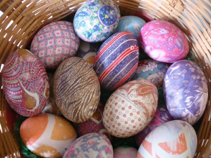 ostereier färben dekoideen eier dekorieren techniken seiden stoff krawatten