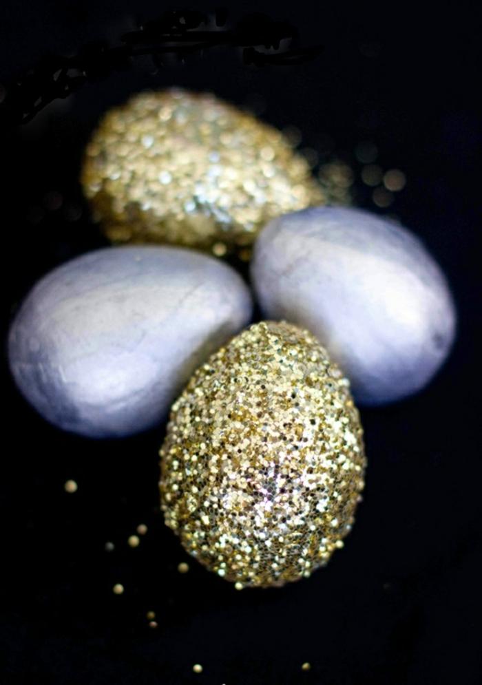ostereier gestalten blau gold glitzer eier dekorieren osterdekoration tischdeko