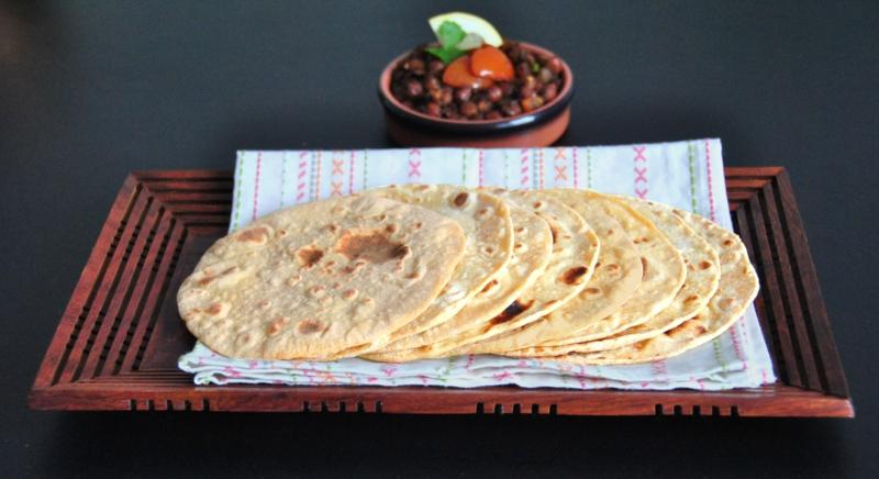 pakistanische Küche Gerichte pakistanisches Roti Brot