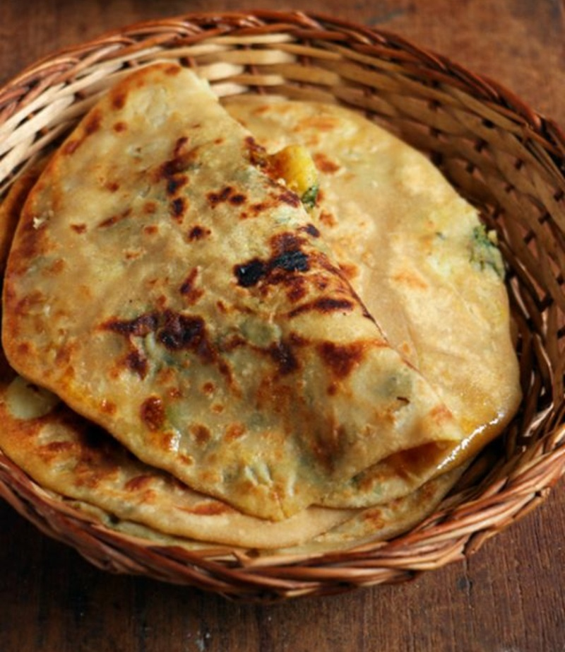 pakistanische Küche typische Gerichte mit Brot