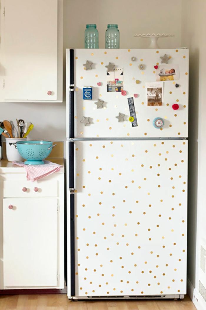 retro kühlschrank punkte dekoration selber machen vintage kücheneinrichtung