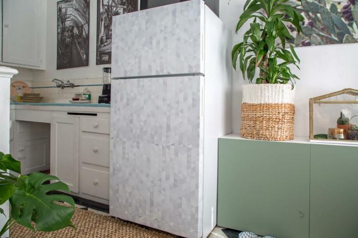 retro kühlschrank selber gestalten weiß grau geometrische muster