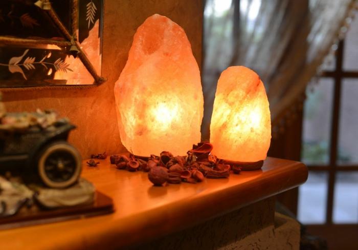 salzkristalllampe himalaya salz naturkristalle tischleuchten