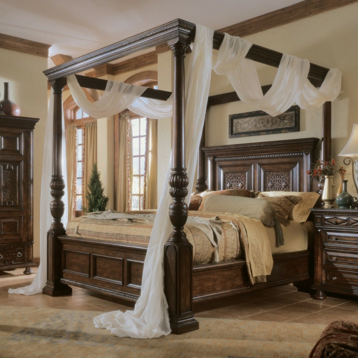 schlafzimmer einrichten einrichtungsbeispiel wohnideen himmelbett ...
