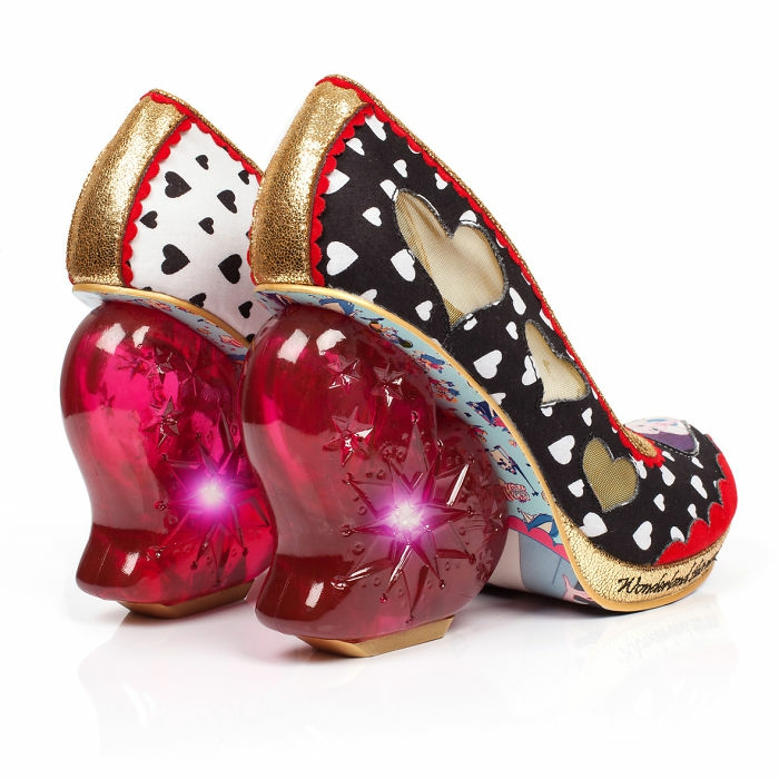 schuhtrends dan sullivan alice in wonderland footwear collection herzdame