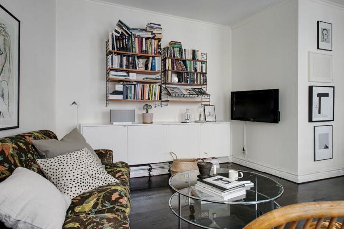 skandinavisch wohnen kleine wohnung bücherregale weiße kommode runder couchtisch