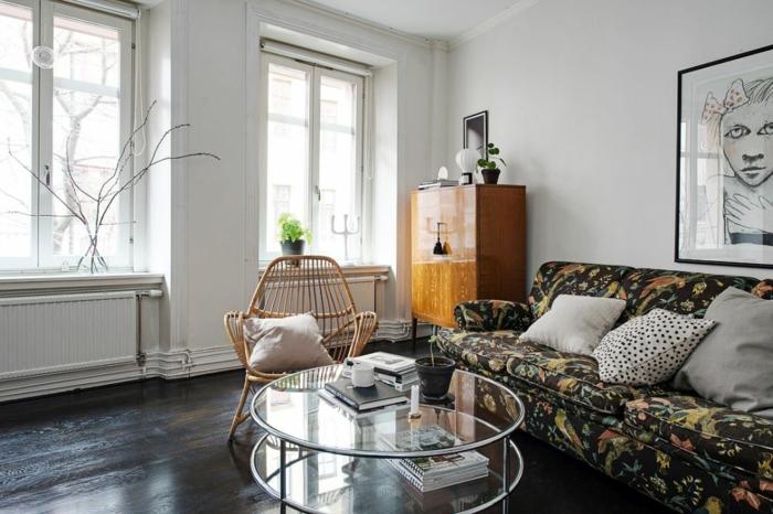 skandinavisch wohnen kleine wohnung nordische einrichtung sofa runder glastisch bambusstuhl retro schrank