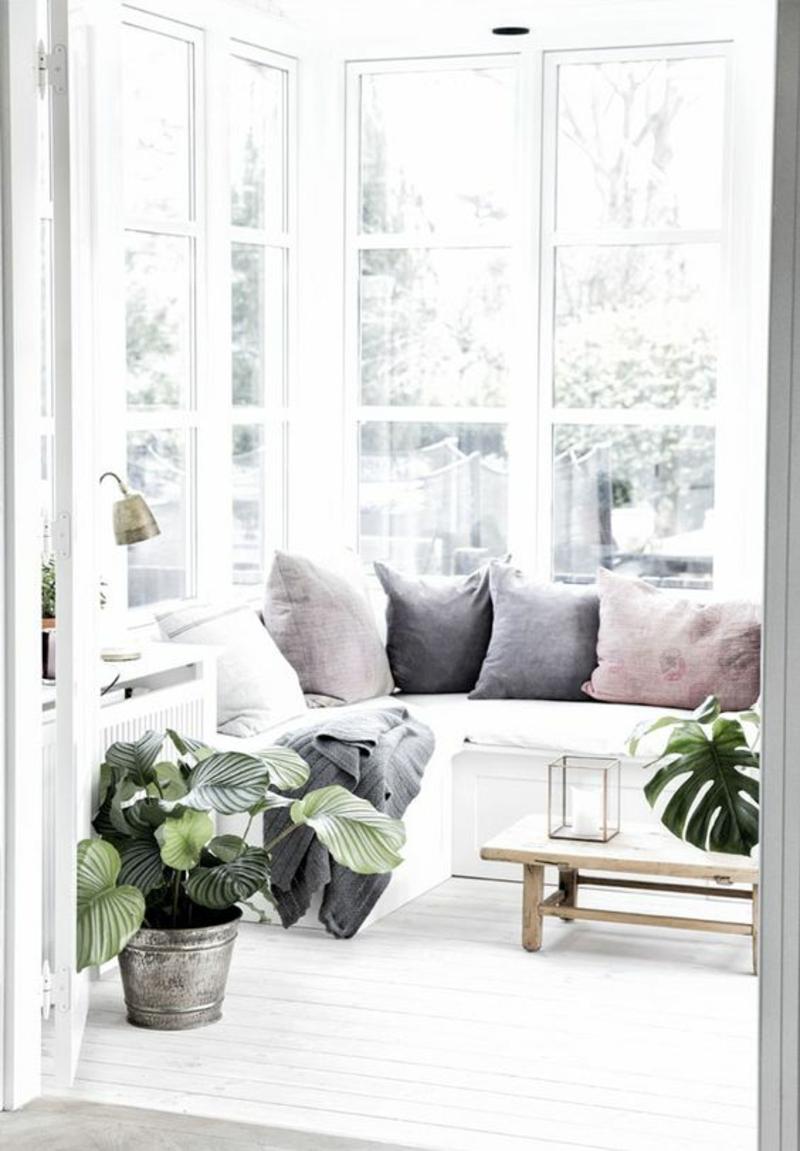 skandinavisches Design Einrichtungsbeispiele Terrasse Möbel Sofakissen