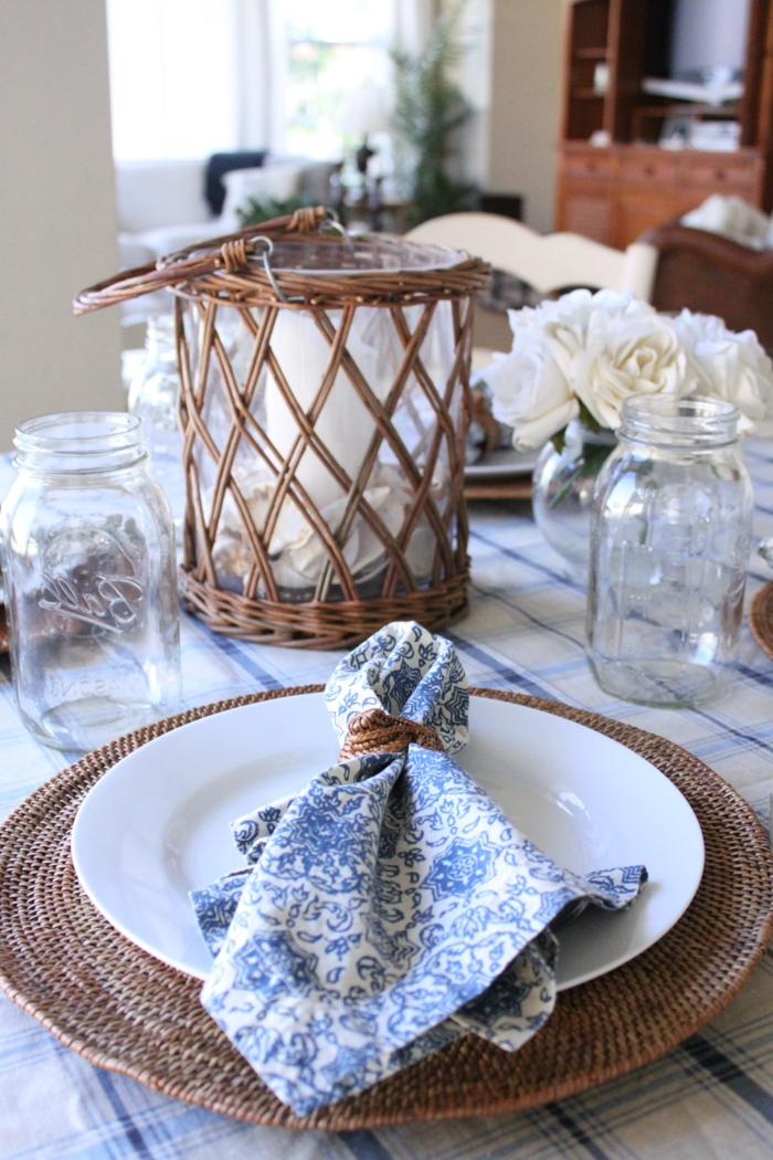 tischdeko blau blaue akzente tisch festlich dekoreiern