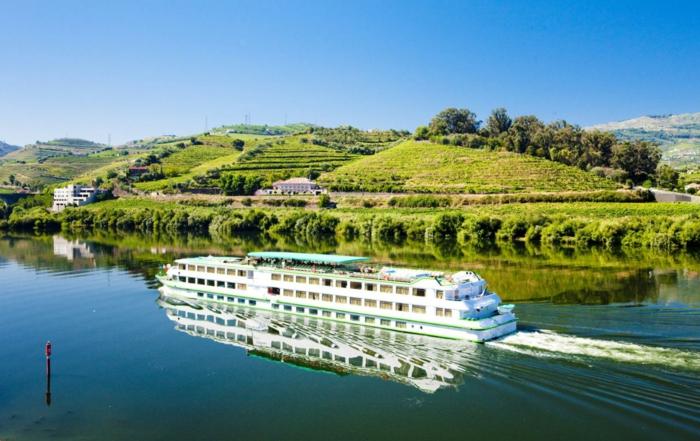 traumurlaub kreuzfahrt cruise schiff grün