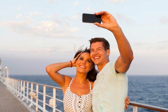 kreuzfahrt reisen traumurlaub kreuzfahrt reisen kreuzfahrtschiff deck photo