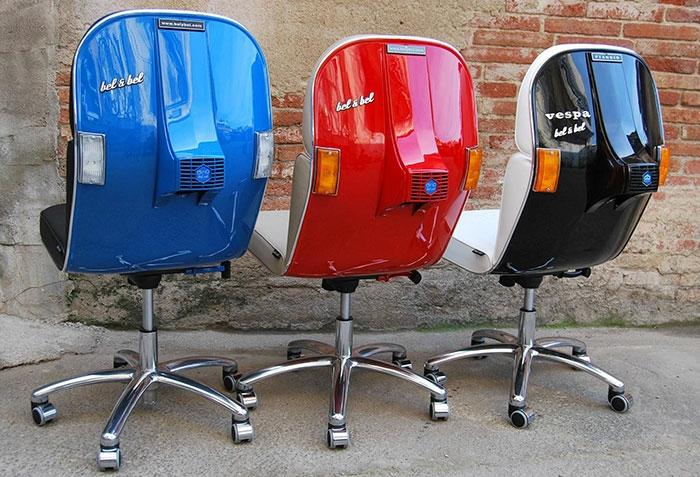 vespa bürostuhl recycling ideen rot blau schwarz