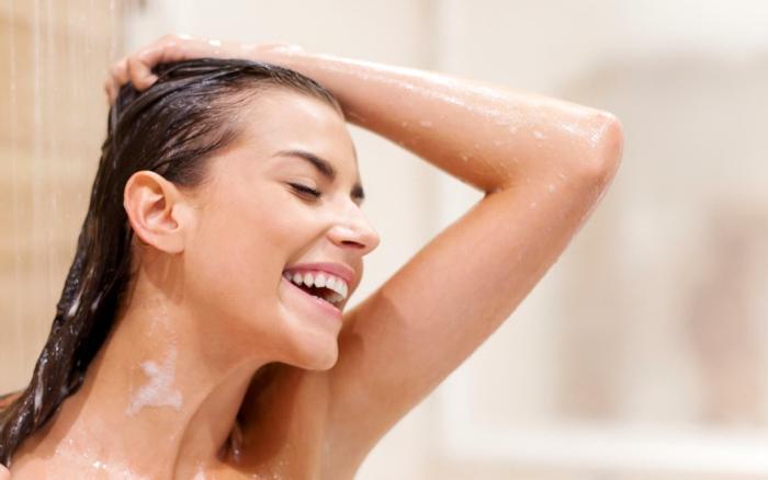was tun gegen fettige haare haar waschen
