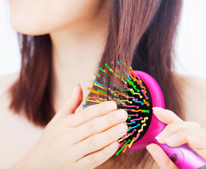 was tun gegen fettige haare richtig kämmen lifestyle