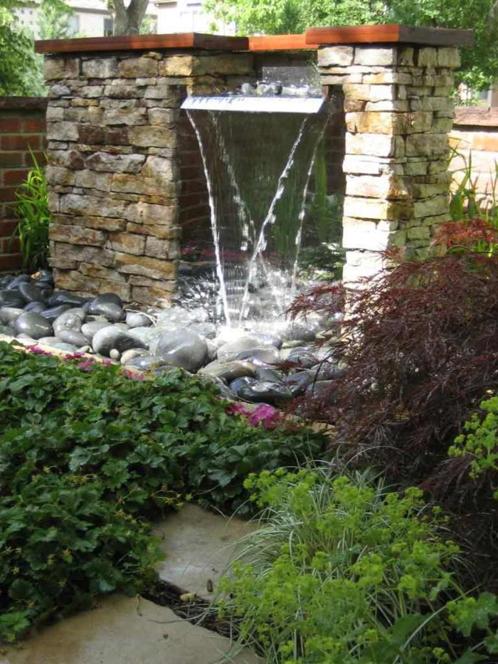 wasserfall im garten gartenideen pflanzen wasser