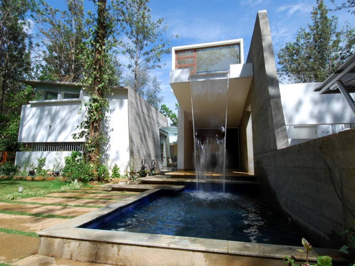 GroB Wasserfall Im Garten Gartenideen Ruhe Natur Genießen