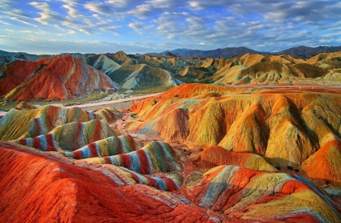 weltreisen china wüste zhangye danxia asien reiseziel bunte hügel