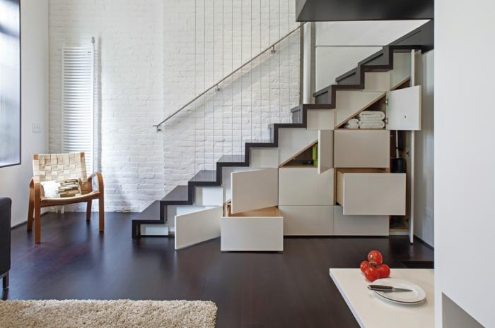 wohnraumgestaltung naturfarben treppe schränke stauraum