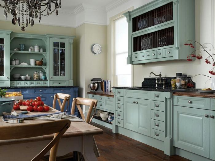 50er jahre stil retro einrichtung küche pastellblaue küchenmöbel esstisch holz stühle