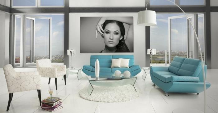 50er jahre stil retro wohnzimmer einrichtung pastellblaue sofas weiße sessel runder teppich stehleuchte