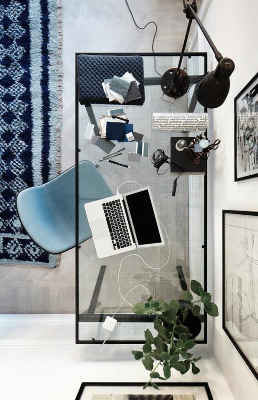 Büroeinrichtung Büromöbel Glasschreibtisch von oben