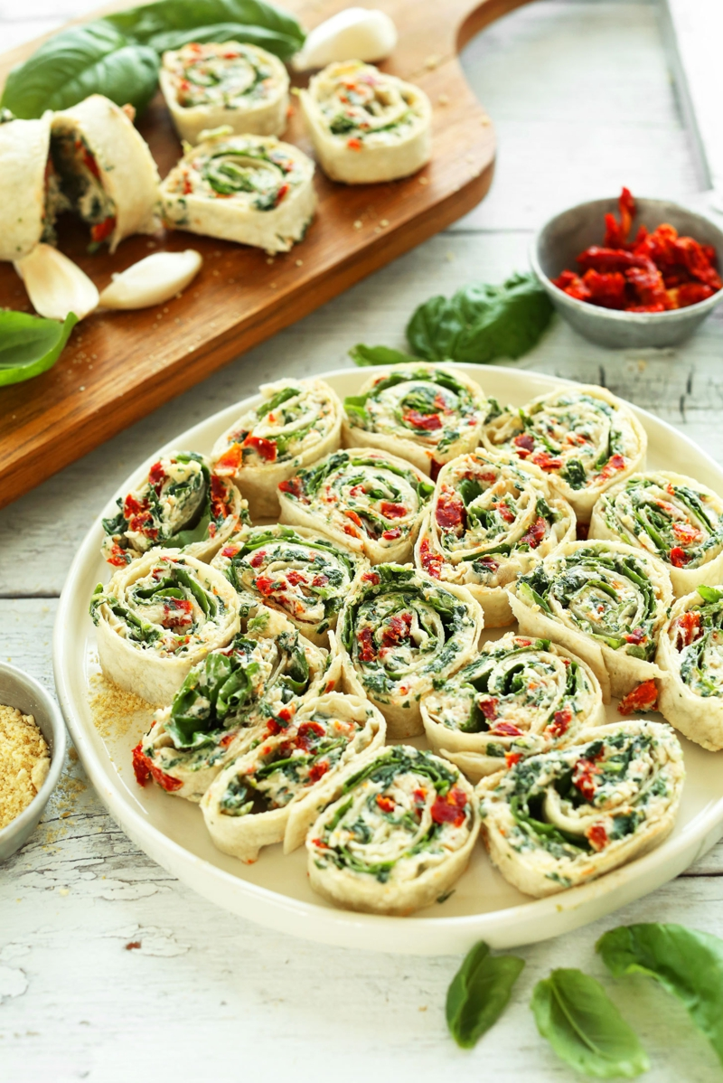 Basilikum Pflanze italienische Küche getrocknete Tomaten frischer Basilikum