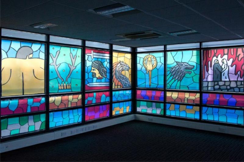 Game of Thrones Buntglasfenster Besprechungsraum Fensterfolie
