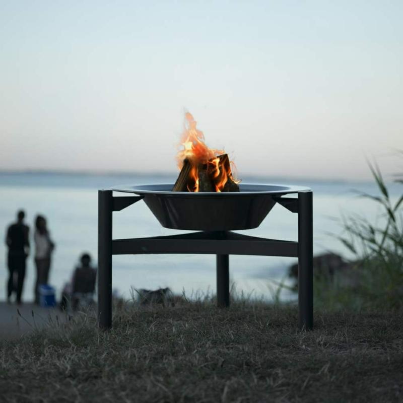 Gartengestaltung Sommer Grillen Im Freien Originelle Feuerschalen