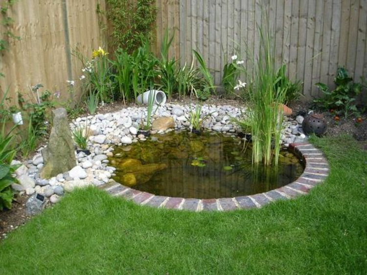 1001 ideen und gartenteich bilder f r ihren traumgarten for Cheap backyard pond ideas