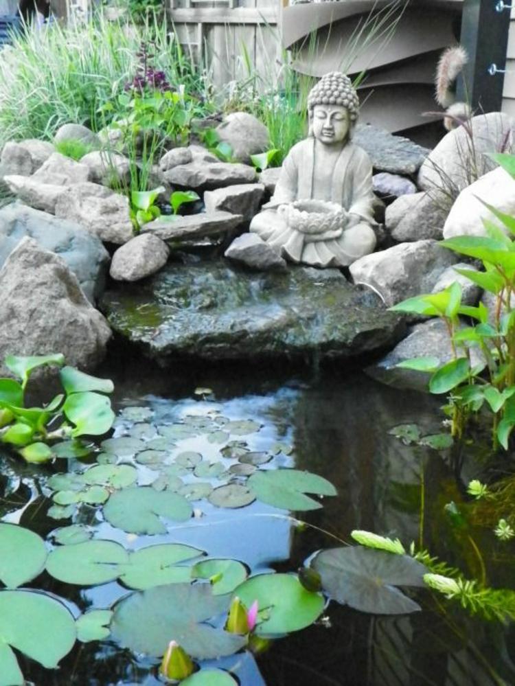 Gartenteiche Koiteich bauen Buddha Statue Gartengestaltungsideen