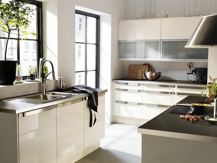 Küchenplanung Ikea Küchen creme baige hell kücheninsel retro design