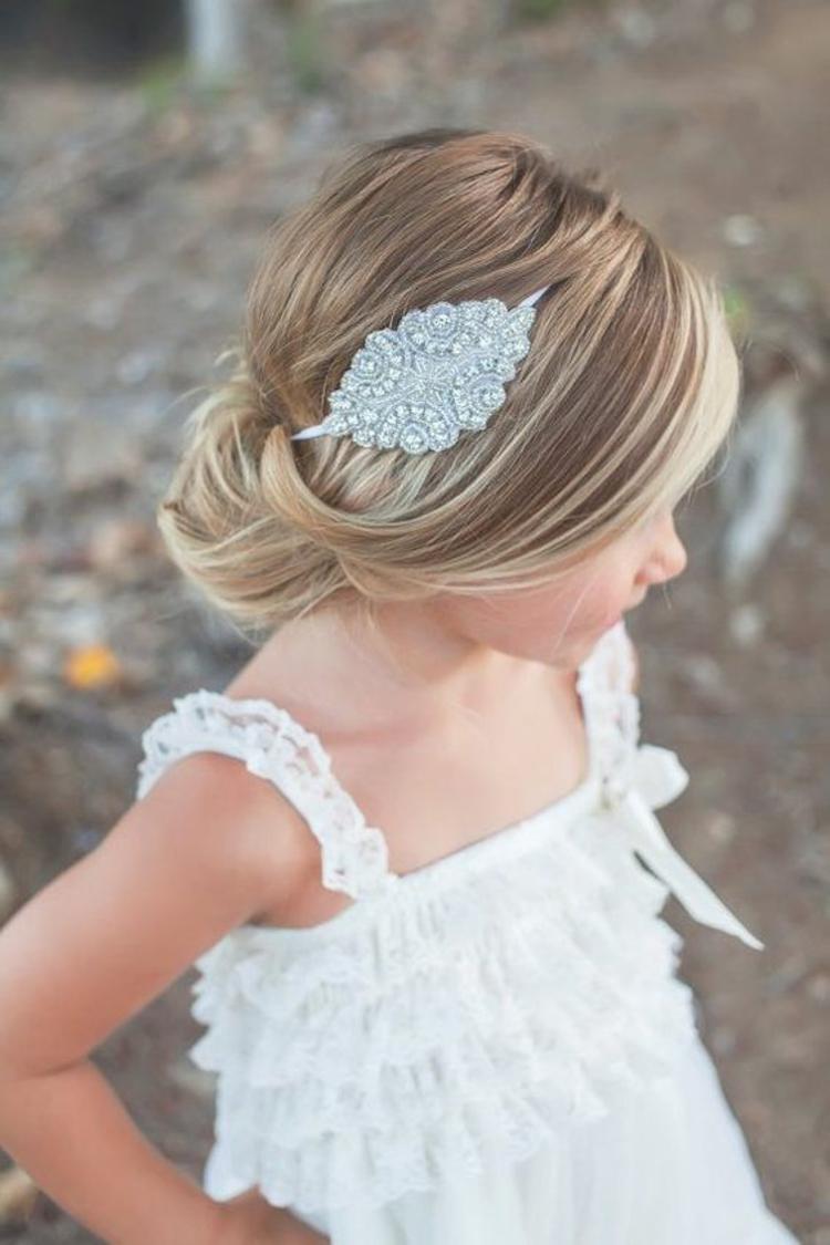 Mädchen kurze haare kommunion frisuren 30 Kinderfrisuren