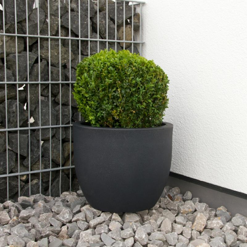 Pflanzkübel Fiberglas anthrazit Gartengestaltung mit Steinen