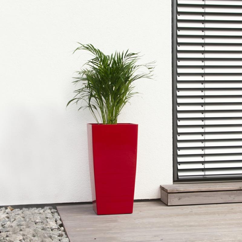 Pflanzkübel Fiberglas rot frische Farbakzente Balkonpflanzen