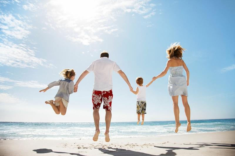 Was hilft gegen Sonnenbrand Sommerurlaub Sonnenschutz Kinder