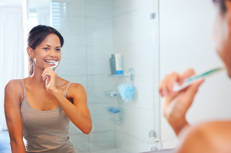 Zahnschmerzen was tun Zähne richtig putzen