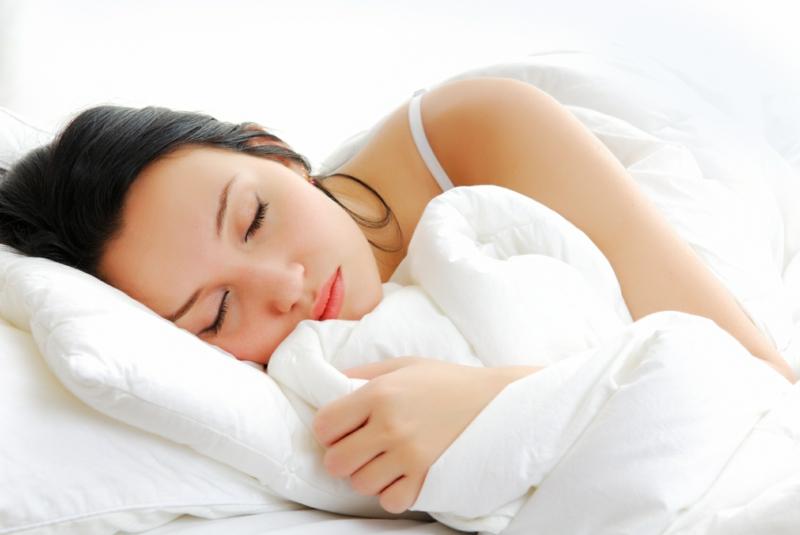 Zahnschmerzen was tun beißen im Schlaf