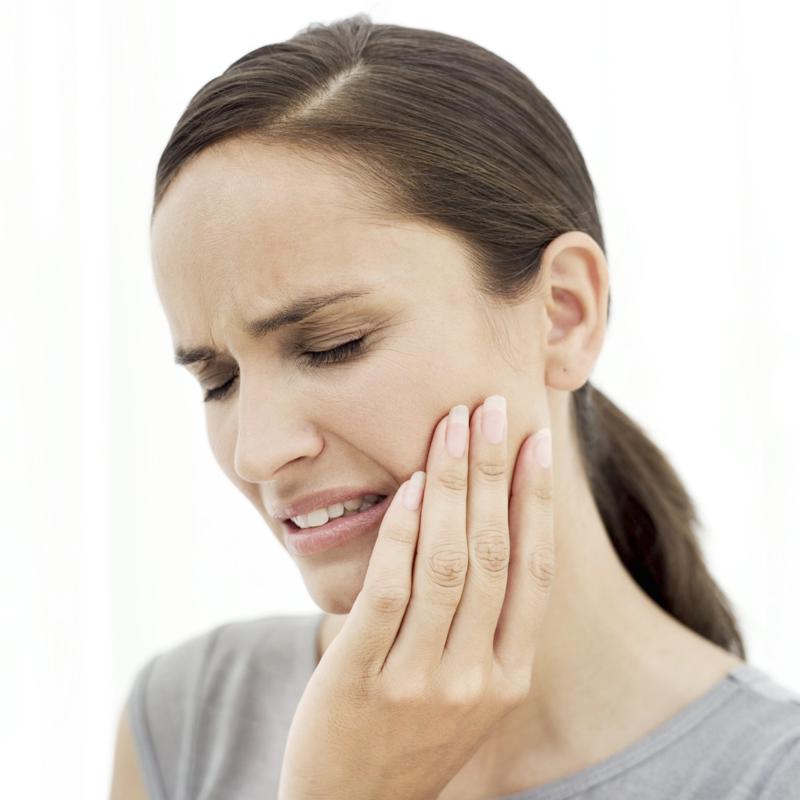 Zahnschmerzen was tun mögliche Gründe