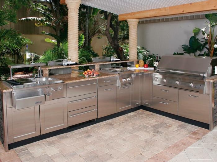 außenküche selber bauen bestellen metallene fronten eingebaute küchengeräte fertige module