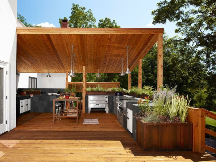 außenküche selber bauen outdoor kücheneinrichtung überdachung holzplatten kücheninsel