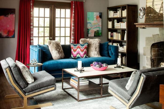 Bequeme Sessel Hellgrau Blaues Sofa Kleines Wohnzimmer Einrichten Rote Gardinen