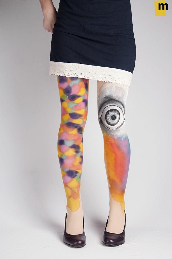 bodypainting moderne art kunst strumpfhosen bemalt abstrakt auge pumps kleid spitze